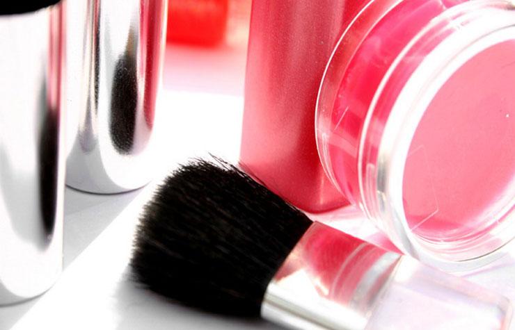 Уроки визажиста: о косметике, выборе, хранении и гигиене.